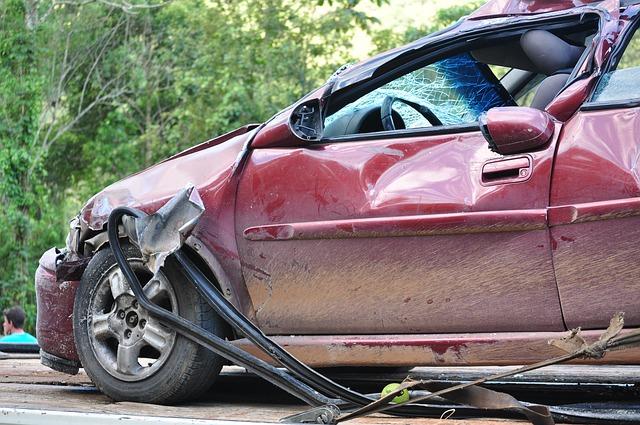 abogados expertos en accidente de coche trafico transito